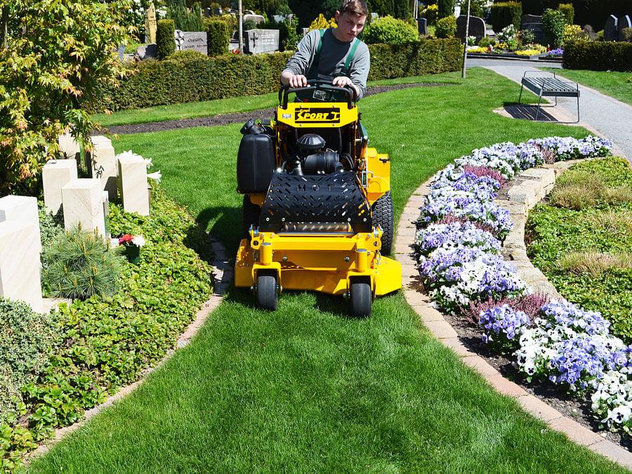 Mit dem Wright i 36 haben Sie durch die kompakten Maße selbst bei sehr engen Rasenflächen viel Arbeits- und Bewegungsfreiraum.